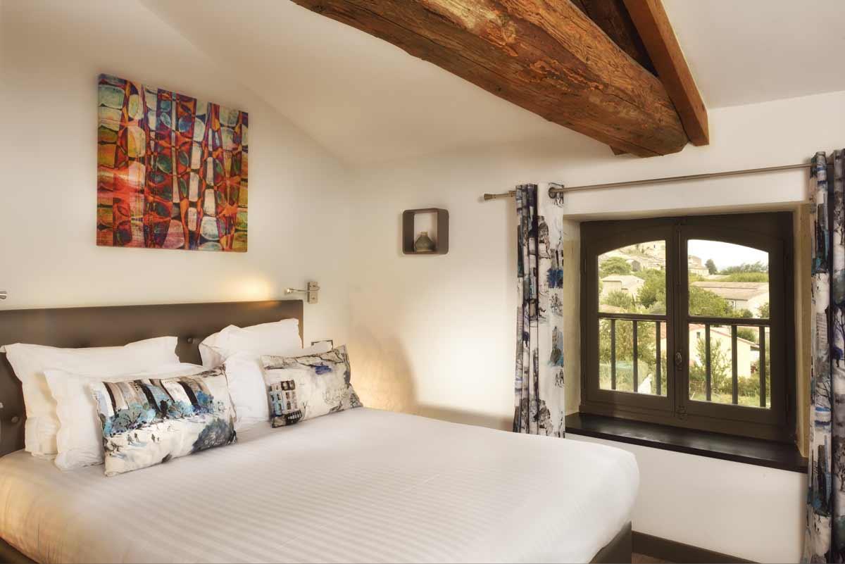 deco chambre provencale la chambre a une dco provenale deco maison provencal dco chambres. Black Bedroom Furniture Sets. Home Design Ideas